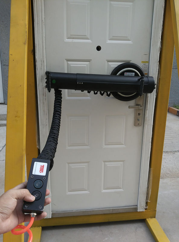 Professional Pneumatic Door Opener 7t Drag Force With 5m Remote Distance